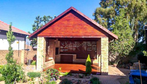 Log Cabins & Construction Masonry & Wood Construction